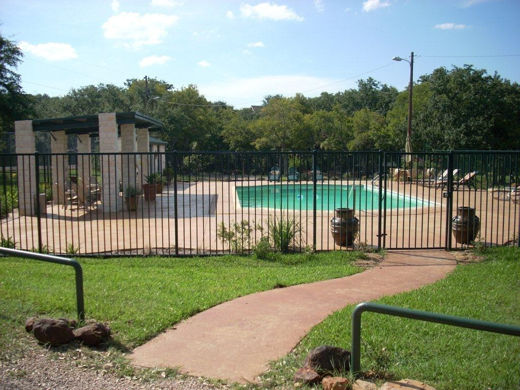 Deerhaven Park Swimming Pool