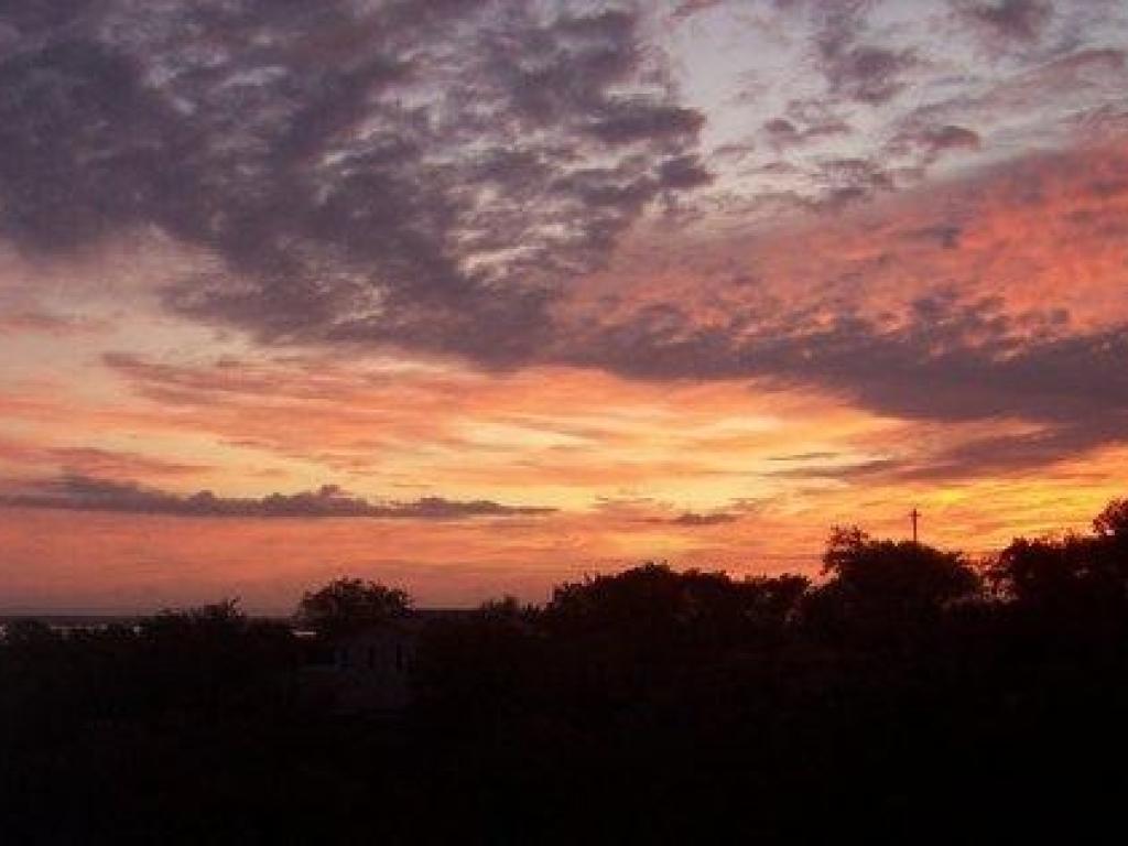 Sunrise in Deerhaven